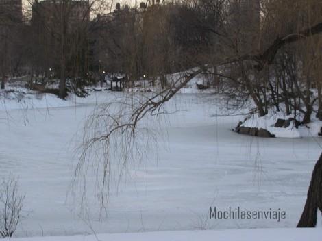 Mismo río, pero con nieve.