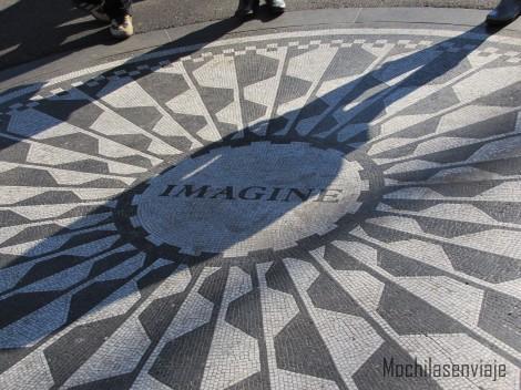 Todavía se siente a John Lennon por las calles de NY.