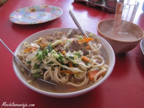 Thukpa - Sopa de fideos y verduras