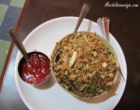 Arroz frito con verduras - Más chino que indio, pero se ve en todos lados