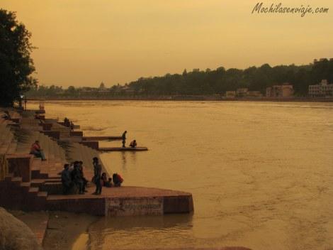Atardecer en el Ganges
