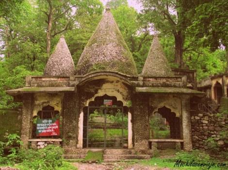 La entrada al ashram