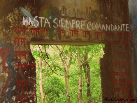 Hasta la insignia del Che esta dando vuelta...