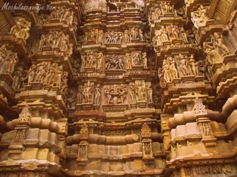 Todas las esculturas fueron talladas en piedra.