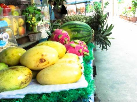 """En Tailandia las frutas son demasiado ricas, incluso la curiosa """"fruta del dragon"""""""